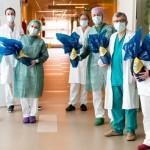 Gli eroi medici e infermieri in prima linea contro il virus